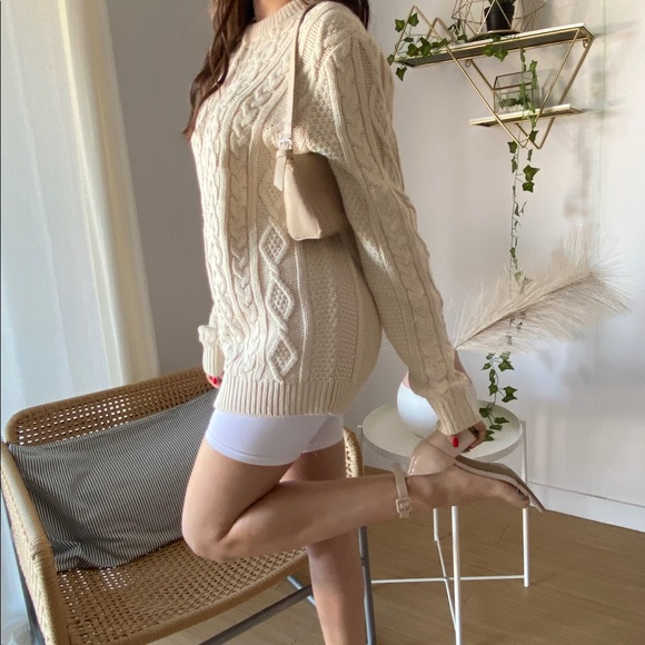H&M Chunky Cable Knit Sweater -Size S (NWOT)